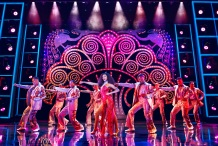 Brennyn-Lark-and-company-in-Dreamgirls-West-End-Credit-Matt-Crockett - copia