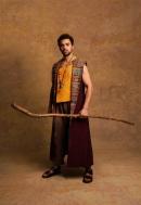 Luke Brady como Moisés. Foto: Darren Bell